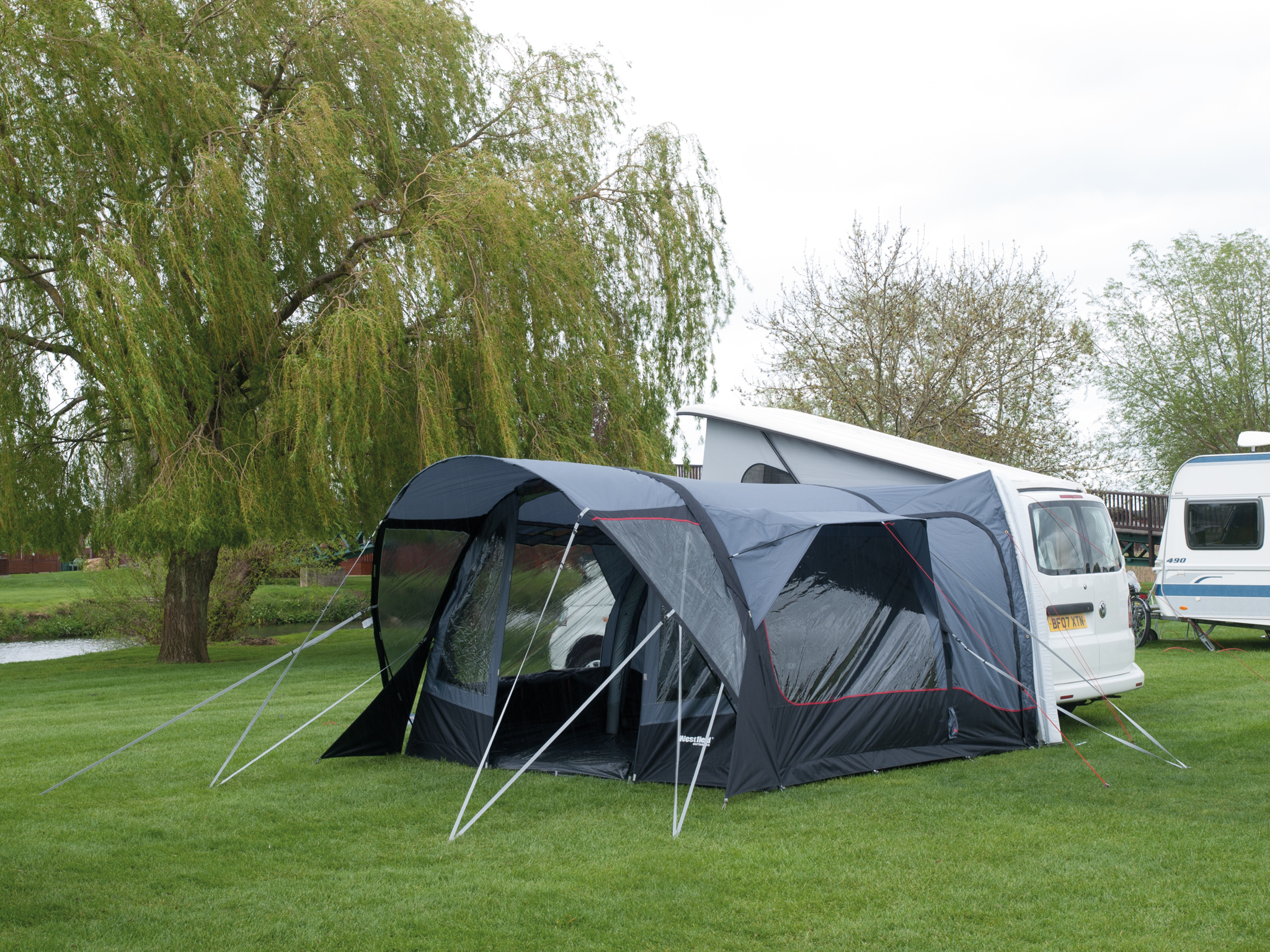 Westfield Aquila 320 Low Inflatable Drive Away Awning